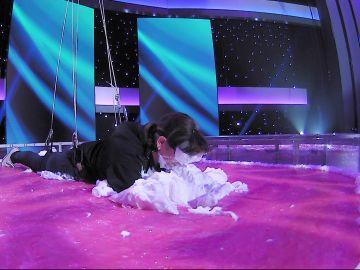 Raquel y Mar se bañan en un suculento pastel en 'Apuesto por ti'
