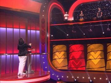 Silvia Abril cumple su sueño en 'Juego de juegos' mandando a los concursantes a la Patagonia en 'Acierta o puerta'