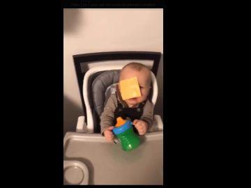 Uno de los bebés del reto