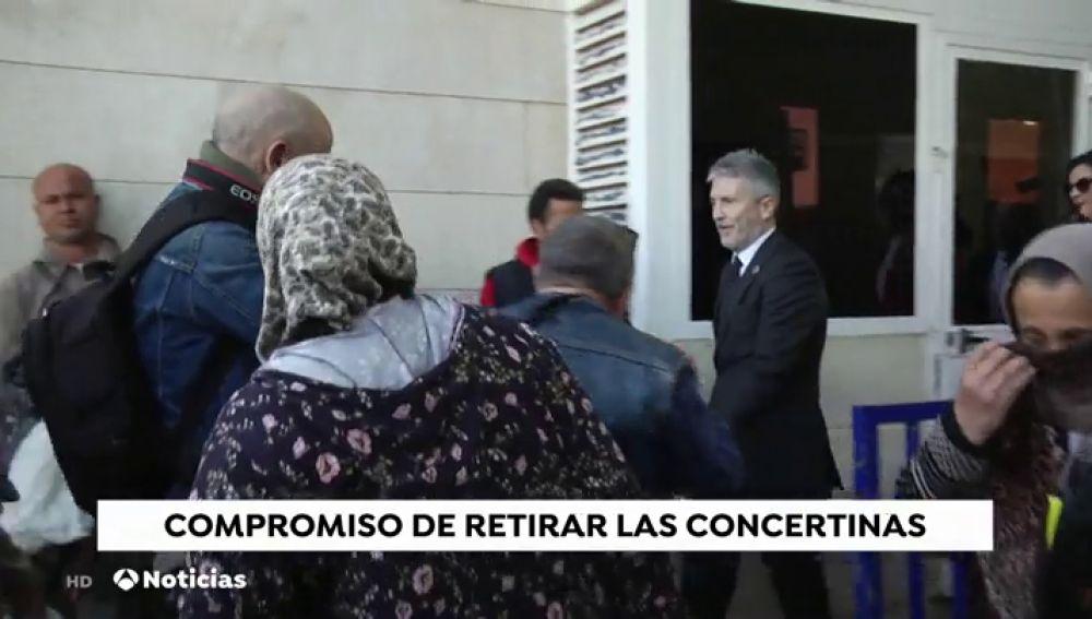 Marlaska recalca su compromiso de retirar las concertinas de la valla de Melilla