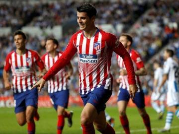 Álvaro Morata celebra un gol con el Atlético