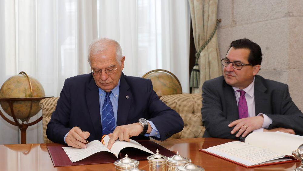 España y Reino Unido firman un tratado fiscal para evitar el fraude en Gibraltar