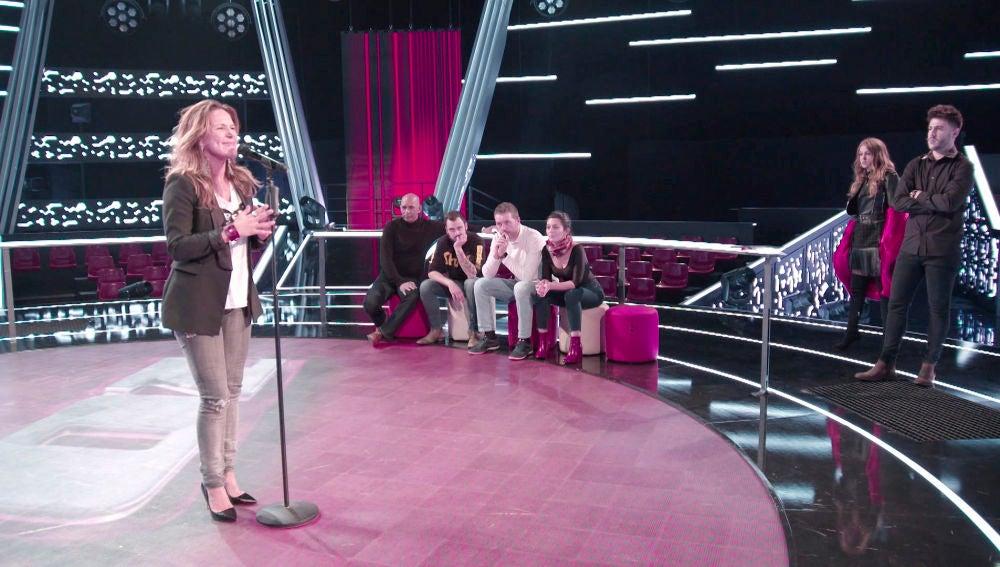 """VÍDEO: Antonio José, sobre Jenny Rospo en los ensayos de 'La Voz': """"Va todo el día montada en un Ferrari"""""""