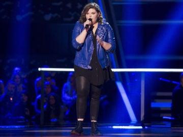 VÍDEO-LA VOZ: Hannah Labotka canta 'When we were young' en los Asaltos de 'La Voz'
