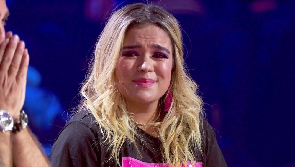 VÍDEO: Karol G, desbordada por el talento que existe en 'La Voz', es arropada por sus compañeros