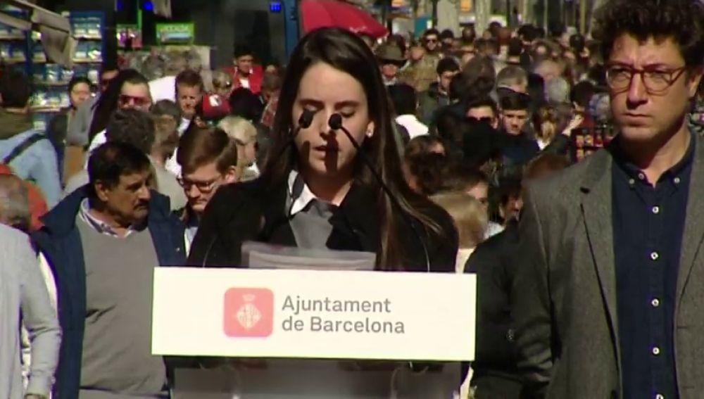 """La hermana de una de las víctimas de los atentados de Cataluña a las autoridades: """"Ayuda, empatía y cariño, son palabras que hemos echado en falta"""""""