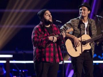 VÍDEO-LA VOZ: Domingo Ondiz y Roy Borland cantan 'Stand by me' en los Asaltos de 'La Voz'