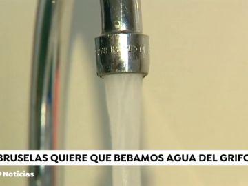 La UE acuerda formentar el uso del agua de grifo gratis en bares y restastaurantes