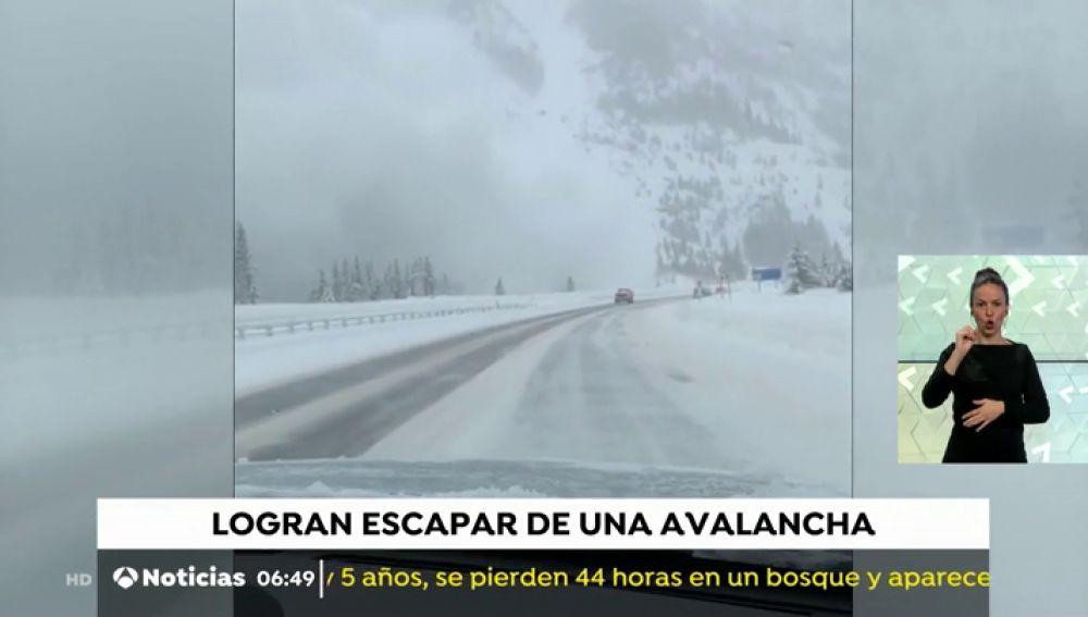 Gran avalancha en una autopista de Colorado