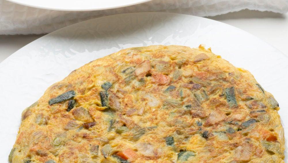 Tortilla de verduras con patatas especiadas
