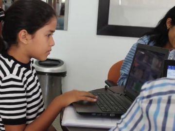 Maité, la niña superdotada de 12 años que pide saltarse la escuela y comenzar a estudiar Medicina
