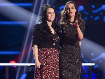 """VÍDEO-LA VOZ: Los coaches arropan a Lydia Ruiz en los Asaltos de 'La Voz': """"Has brillado como nunca"""""""