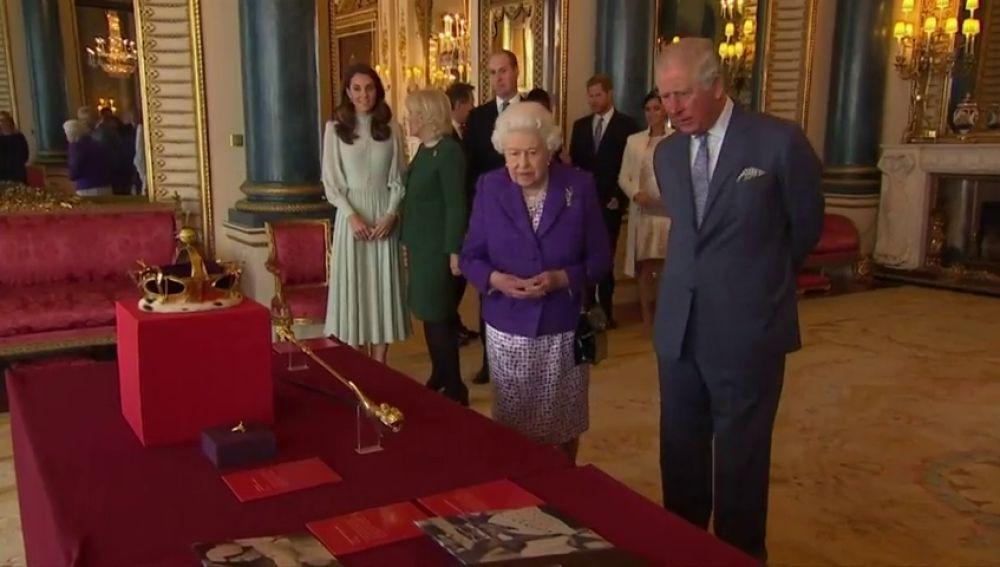 Carlos de Inglaterra cumple 50 años esperando para ser Rey