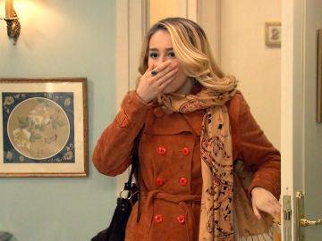 Luisita sorprende a sus padres en una situación comprometida en la suite del hotel