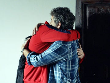 La triste despedida de Pascual y Teo
