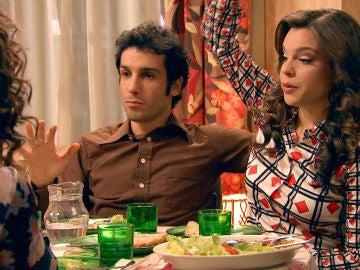 Los coqueteos de Luisita y Amelia hacen sospechar a Ignacio de su relación