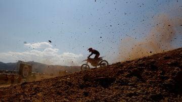 Momento de una prueba de motocross