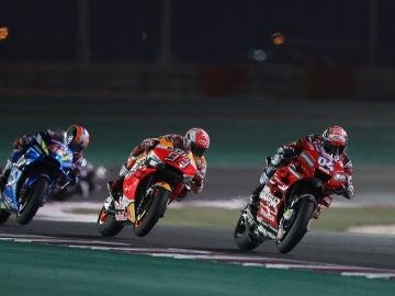 Marc Márquez, por detrás de Dovizioso en Catar