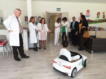 ANDALUCIA.-Jaén.- Los pacientes infantiles del Hospital de Jaén podrán desplazarse al quirófano en un coche eléctrico
