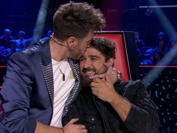 """Antonio José se derrumba al agradecer a Antonio Orozco por apostar por él en 'La Voz': """"Tú me cambiaste la vida"""""""