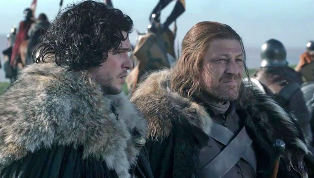 Jon Snow junto a Ned Stark