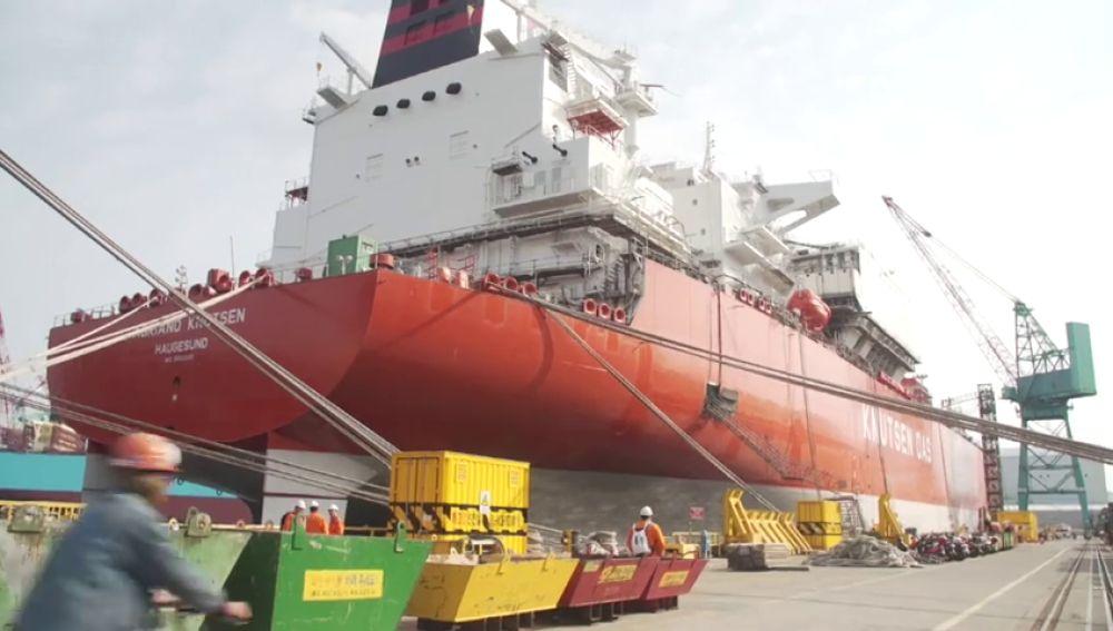 En marcha el buque con capacidad para trasportar el gas que España consume en un día