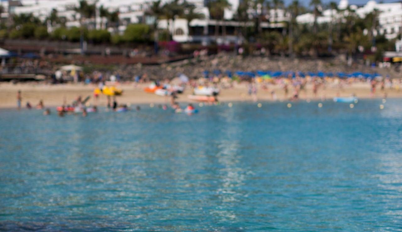 Vista de Playa Blanca en Lanzarote, Canarias.
