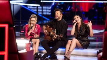 Pablo López, Palomy y Marina Damer cantan 'Peces de ciudad' en 'La Voz'