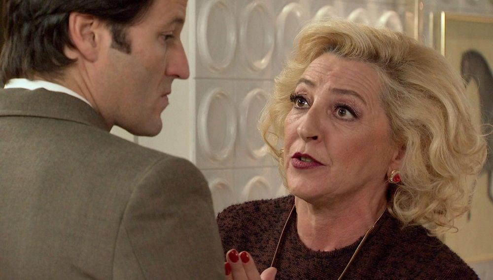 Ascensión pide a Gabriel que no se case con Natalia