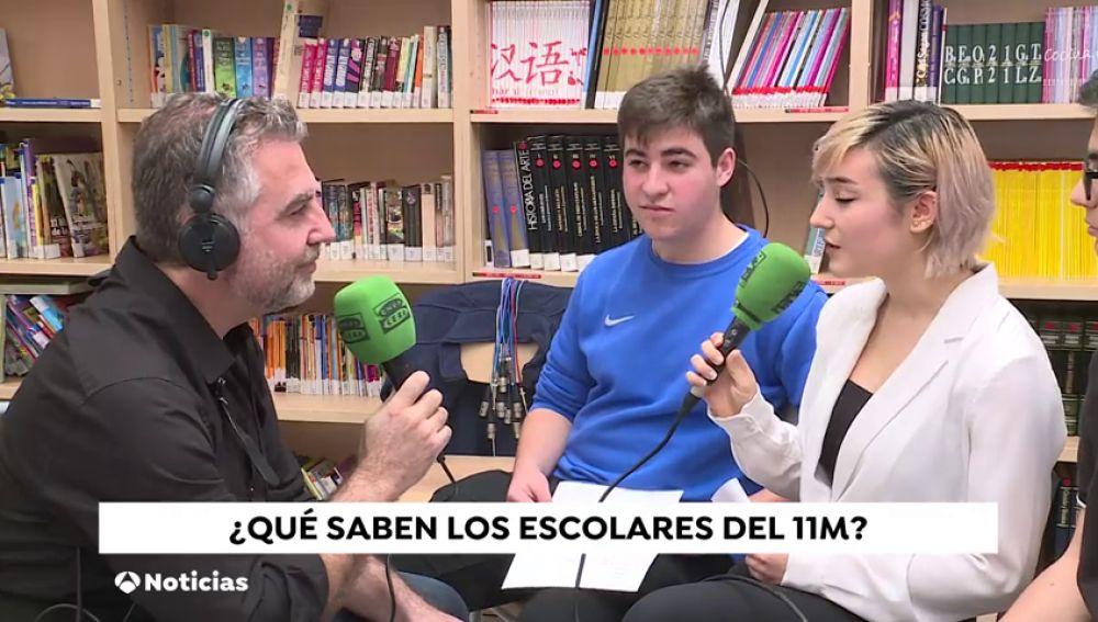 """""""Más de uno"""" de Onda Cero se traslada a las aulas en el aniversario del 11M"""