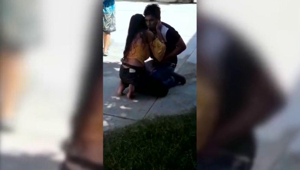 Apuñala a su novio y después le pide perdón