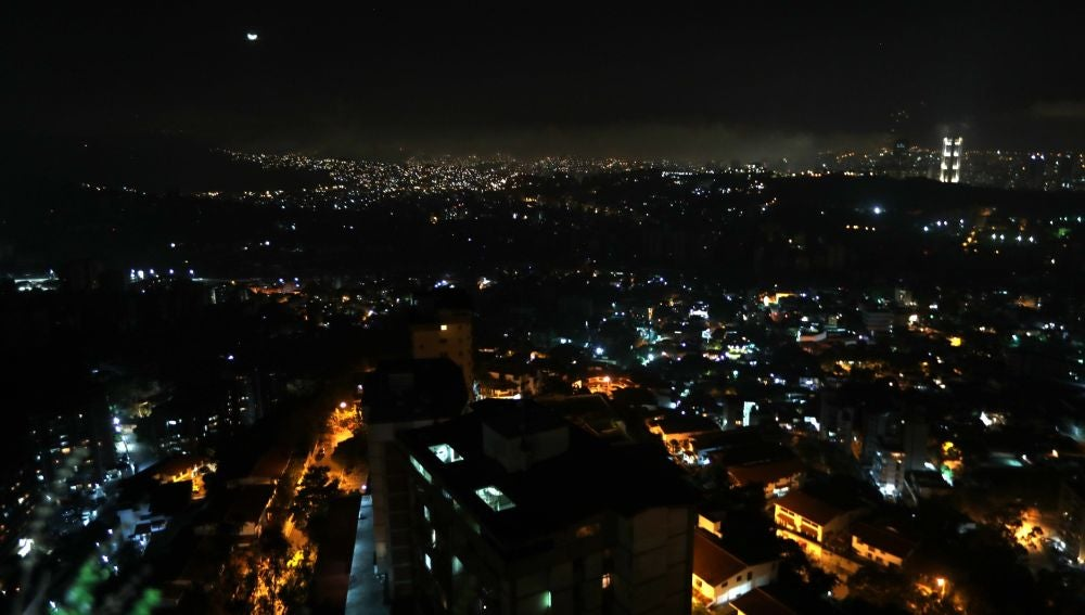 Panorámica de un sector de la ciudad este domingo, en Caracas (Venezuela)