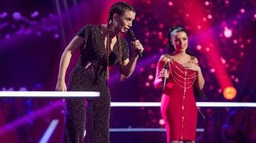 Lorena Fernández y Elena Vargas cantan 'A que no me dejas' en la Batalla de 'La Voz'
