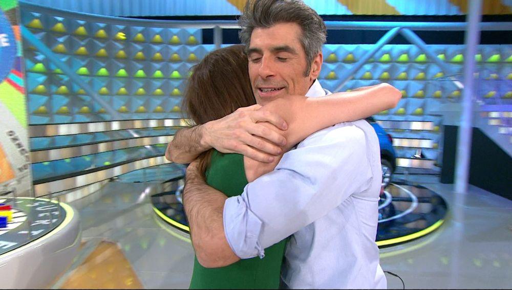 El tutorial de abrazos de Laura Moure y Jorge Fernández