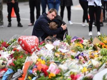 Noticias Fin de semana (16-03-19) Nueva Zelanda prohibirá los rifles semiautomáticos y cambiará sus leyes sobre armas tras la matanza en Christchurch