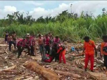 Las inundaciones de Indonesia dejan 50 muertos y 59 heridos que siguen ingresados en los hospitales