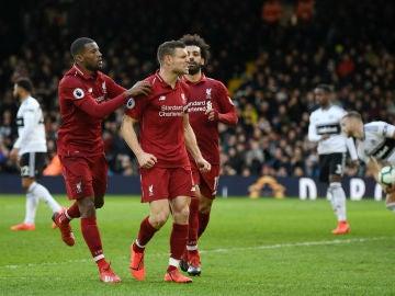 Milner celebra un gol con el Liverpool