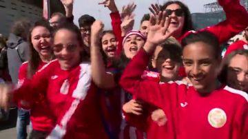 Ambientazo en los aledaños del Wanda Metropolitano para el Atlético vs Barcelona femenino