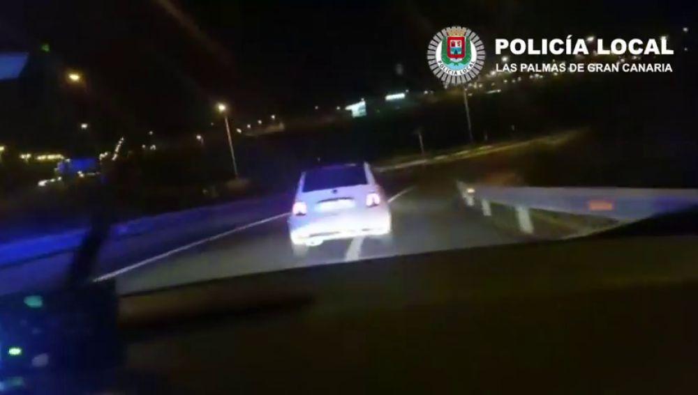 Persecución policial a un hombre reclamado por la justicia