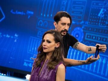 Marron sorprende a Eva González en 'El Hormiguero 3.0' diseñando su figura en 3D