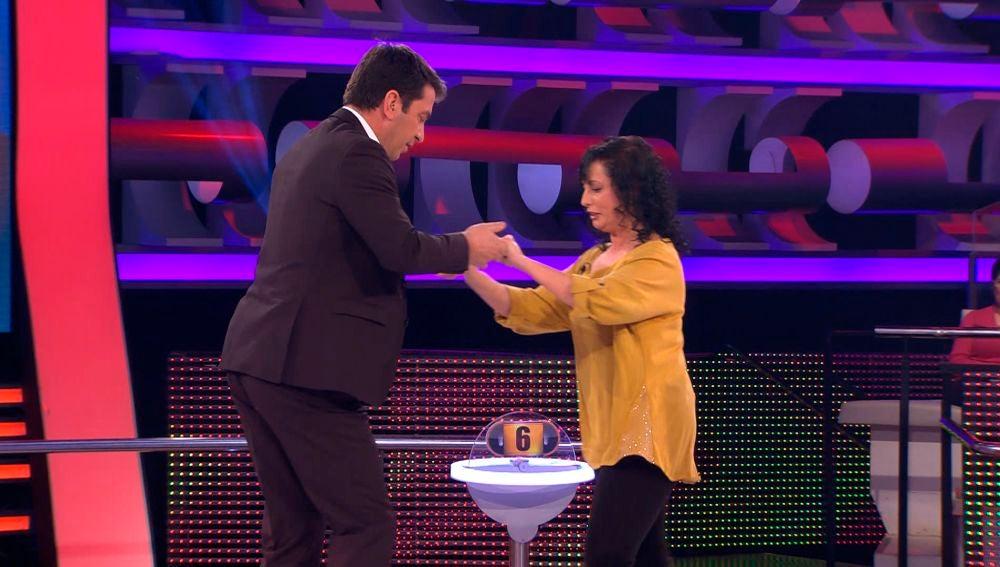 Arturo Valls y Rosa realizan una increíble exhibición de baile en '¡Ahora Caigo!'
