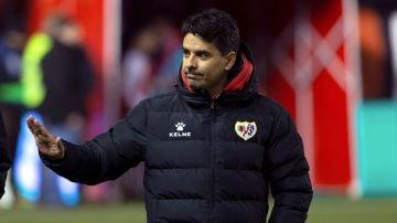 Míchel, en un partido con el Rayo Vallecano