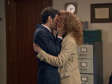 """Natalia frena que Carlos destroce su vida: """"Te quiero conmigo para siempre"""""""