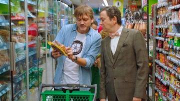 """Cristóbal visita por primera vez un supermercado: """"¿Hay chófer para llevar el carrito?"""""""