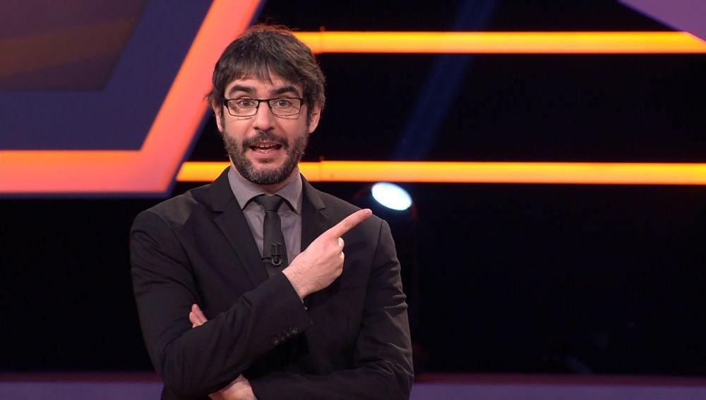 """El diagnóstico de Juanra Bonet tras el análisis visual de un concursante en '¡Boom!': """"Te veo tenso y 'cargaete'"""""""