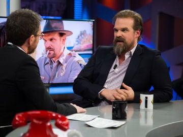 """VÍDEO: David Harbour, sobre la próxima temporada de 'Stranger Things' en 'El Hormiguero 3.0': """"El sheriff no quiere ver que su hija crezca y eso le tortura más que un Demogorgon"""""""