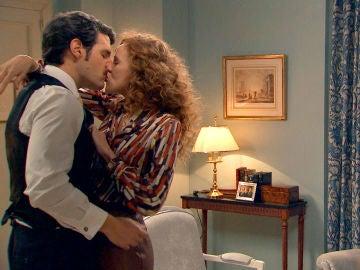 Carlos y Natalia, terminan haciendo el amor