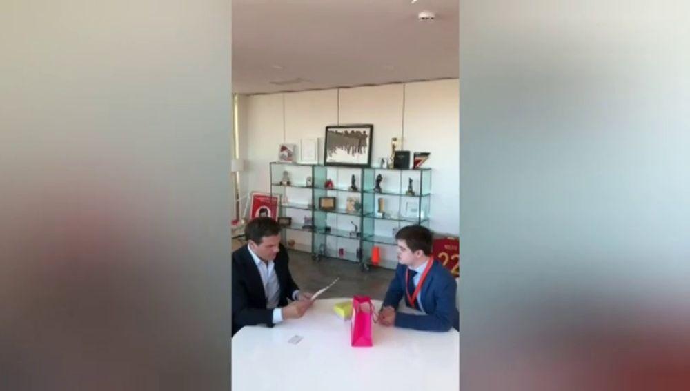 David, el joven con Síndrome de Down que se reúne con los líderes políticos