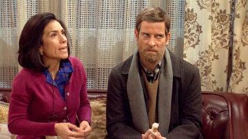 """Marcelino le explica a Manolita el problema de María: """"Tu hija sale enseñando el 'matogroso' al completo como la Cantudo en la trastienda"""""""