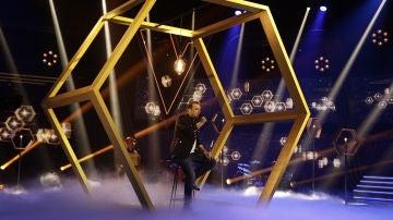 Antonio Orozco, al borde de la lágrima tras la actuación de Javi Moya en los Directos de 'La Voz'